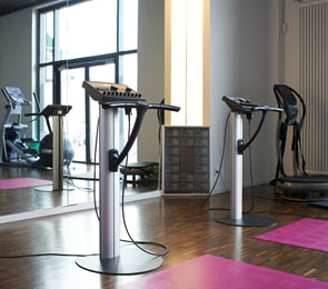 location ems fitness in bremen berseestadt personal training. Black Bedroom Furniture Sets. Home Design Ideas
